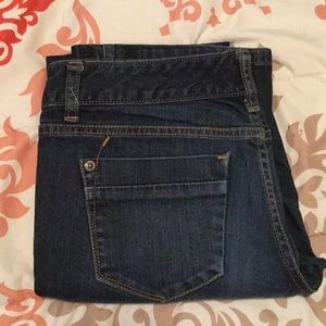 Mossimo jeans.